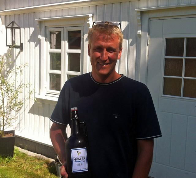 Tom Kofoed med sin Hvaler Pils